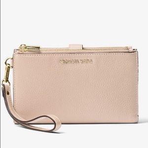 Michael Kors Leather Smartphone Wallet